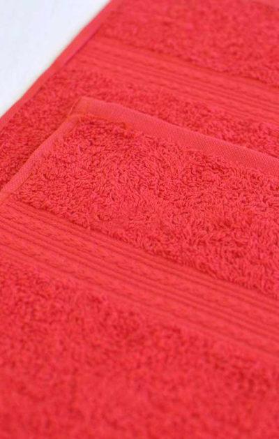 Махровое полотенце цвет Красный